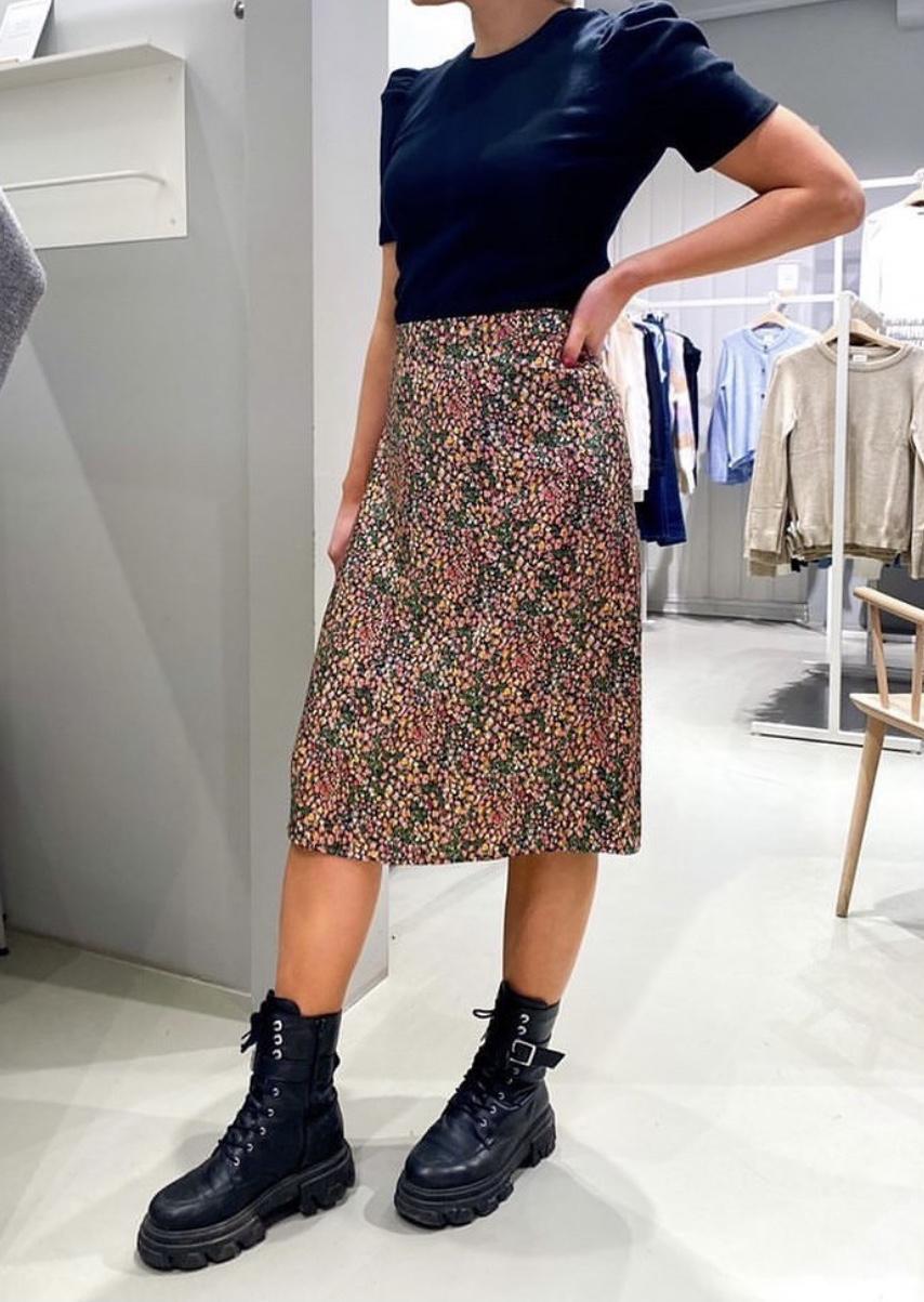 Vimeko HW Midi Skirt