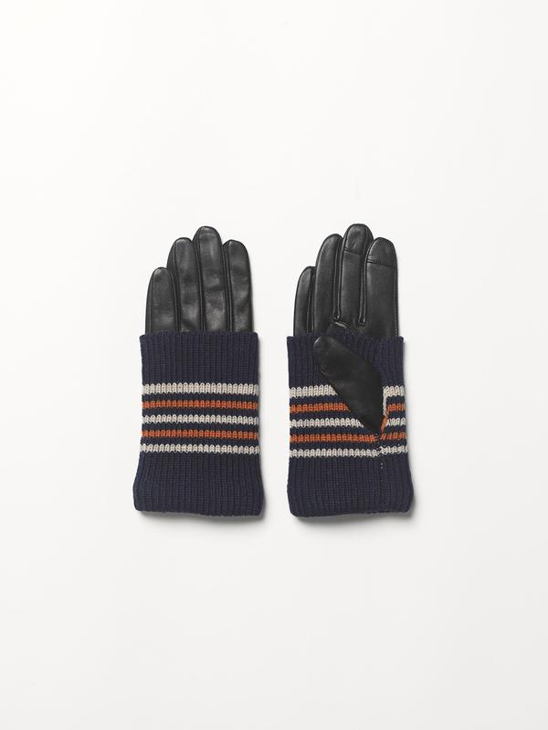 Wapi Glove