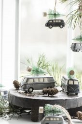 Minibuss med juletre på taket, Svart/Grå, Stående