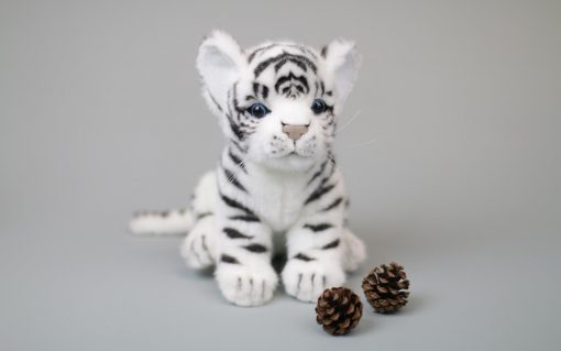 Hvit Tiger Baby 17 cm H