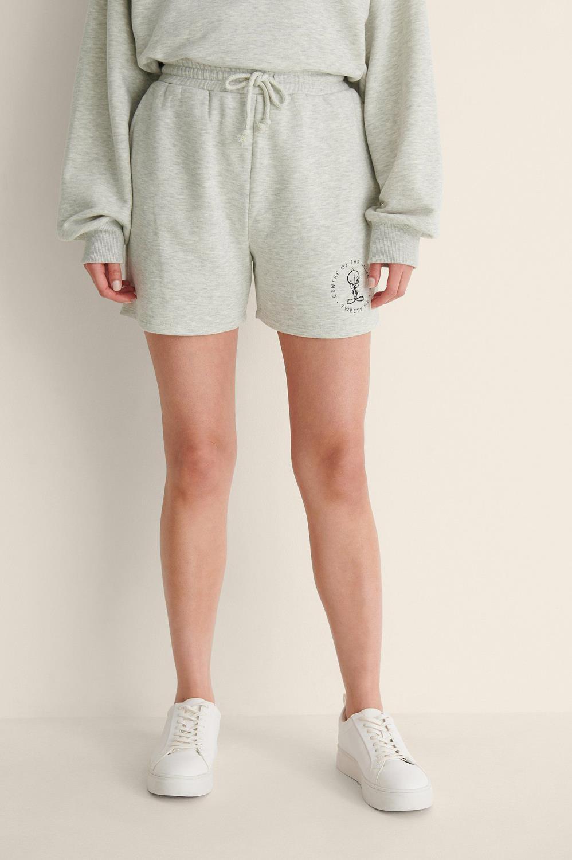 NA-KD Looney Tunes joggers shorts, grey melange universe