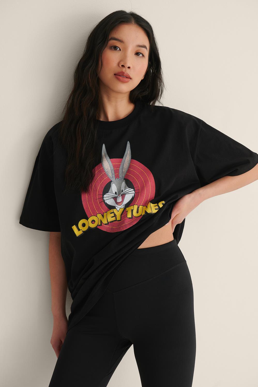NA-KD Looney Tunes oversized T-shirt, black bugsbunny