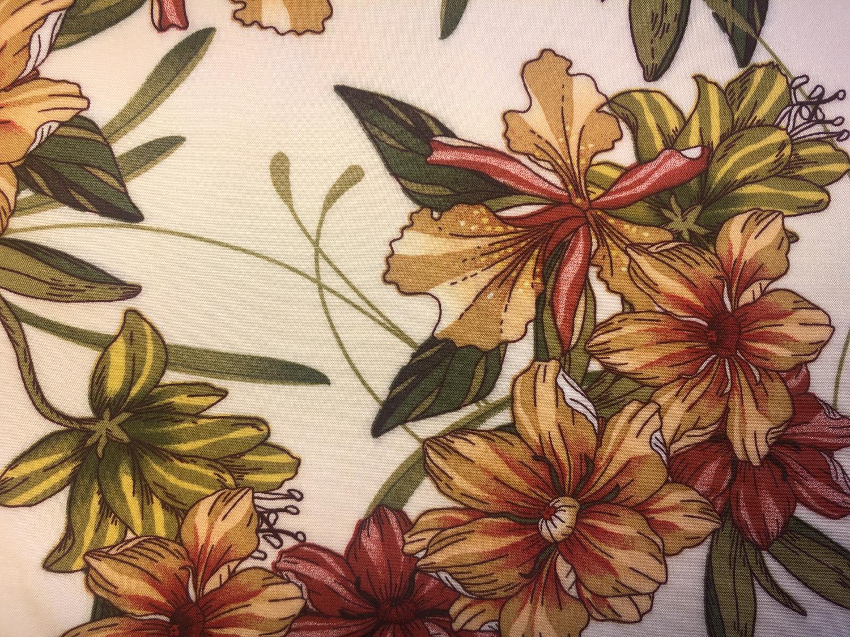 Sofia viskose - Offwhite med blomster