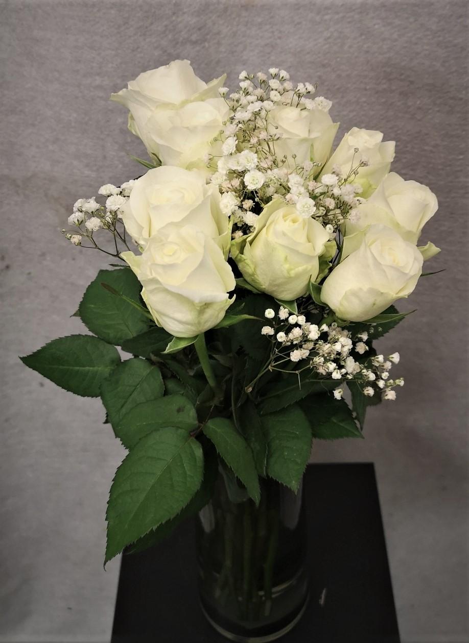 Bukett hvite roser med slør