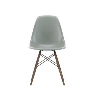 Eames Fiberglass Side Chair DSW Dark Maple