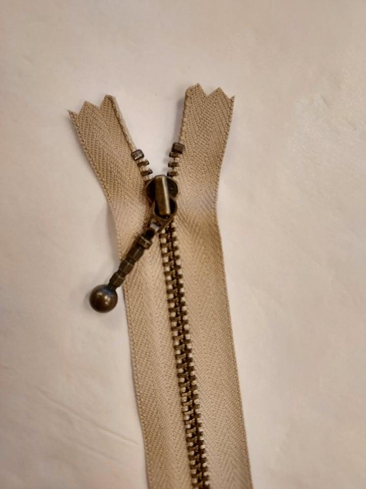 YKK 4mm glidelås 20 cm beige