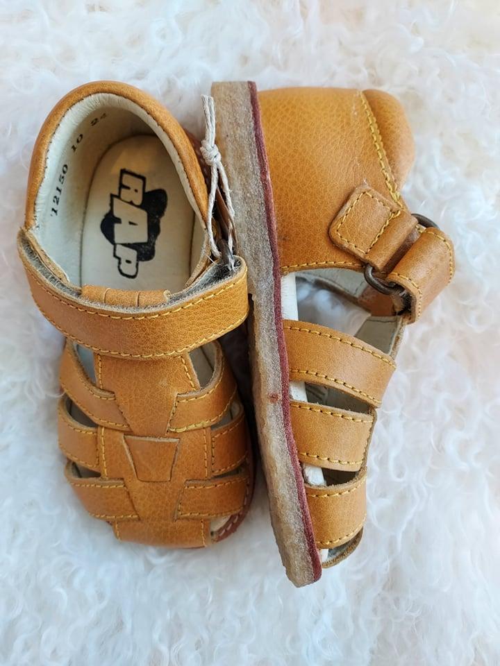 Sandaler i skinn yellow, str 24