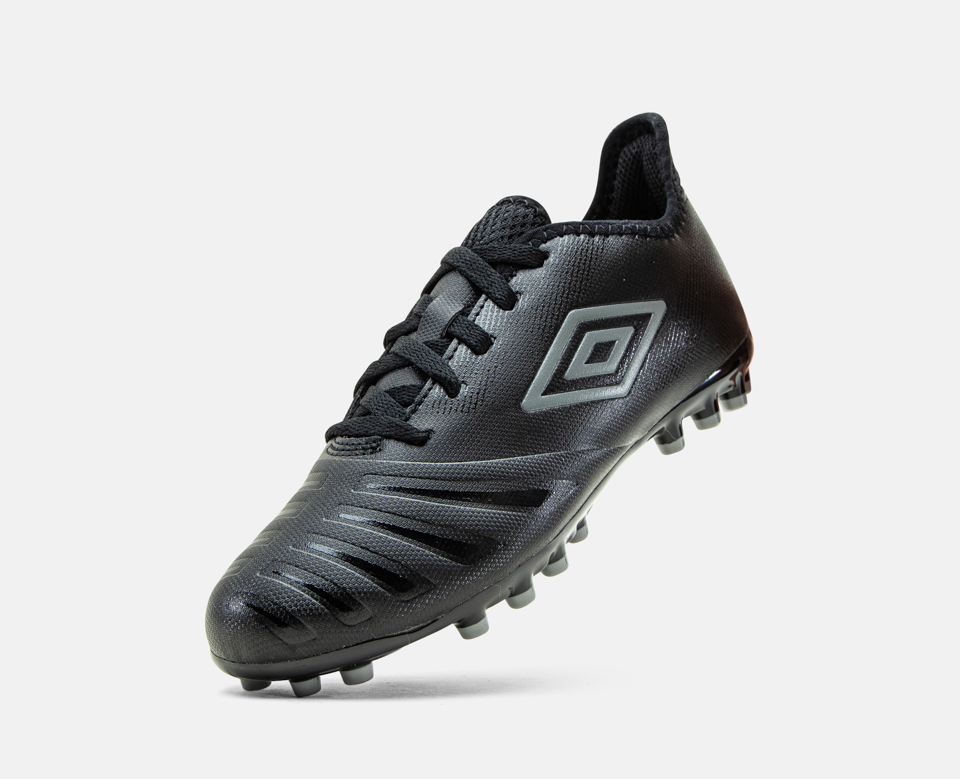 Umbro  UX Accuro III Club AG
