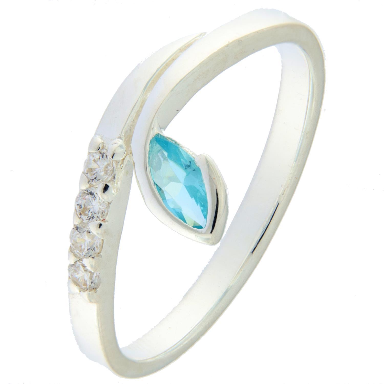 Ring rh.sølv m/blanke stener på skinna + lysblå navettesten i bue