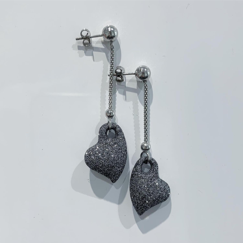 Øreheng rh.sølv kjede m/sort glitterhjerte