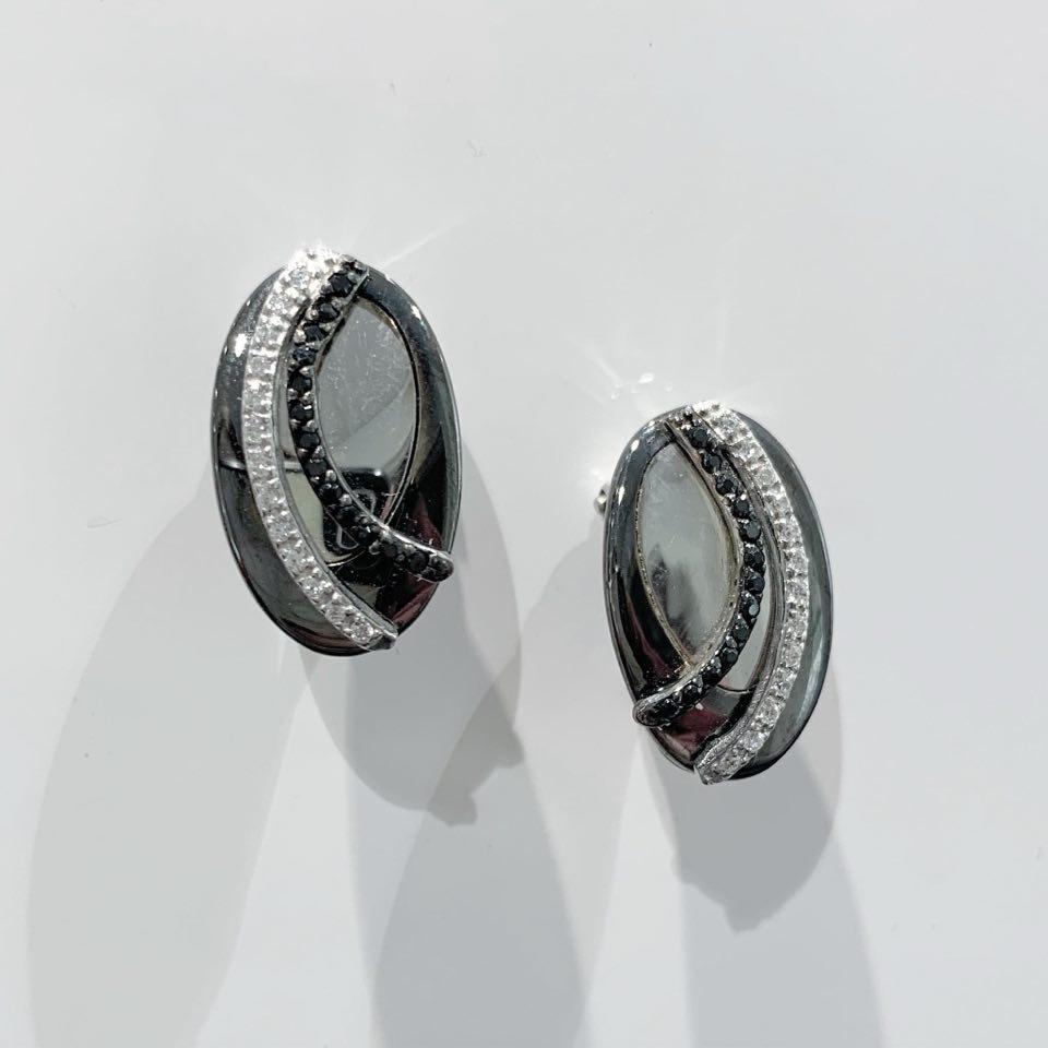 Ørepynt rh.sølv oval m/ruth.+c.zirconer sorte/blanke