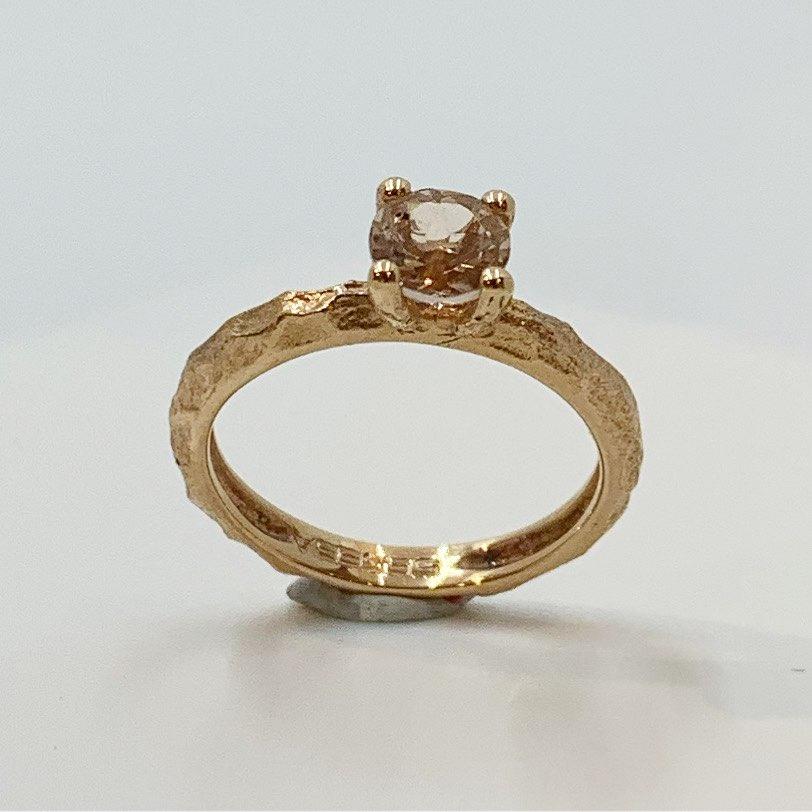 Ring gull rosè m/morganzite 0,60ct banket skinne, 4 klør