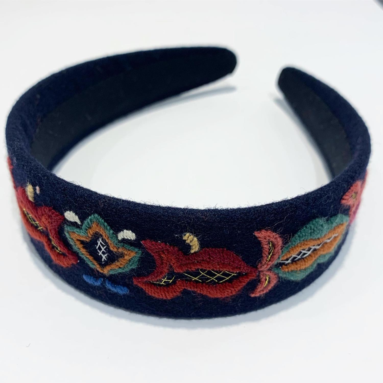 Hådbøyle - Sunnmøre blå håndbrodert