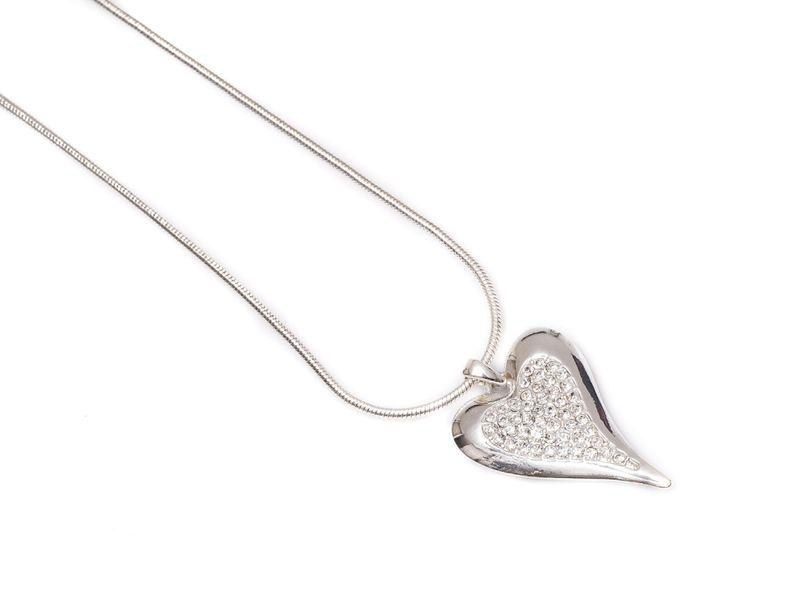 """Collier """"sølv"""" m/hjerte m/stener i midten"""