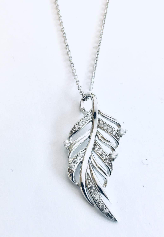 Collier rh.sølv 42+3cm m/blad m/zirconer