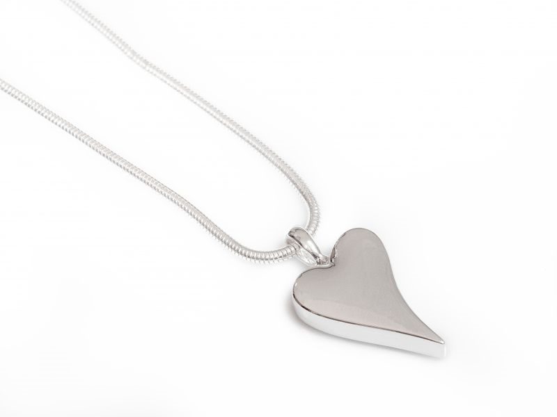 """Collier """"sølv"""" kort slangekj. m/glatt hjerte"""