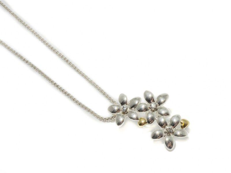 """Collier """"sølv"""" kort m/3 blomster i heng 2 små """"gull""""hjerter"""