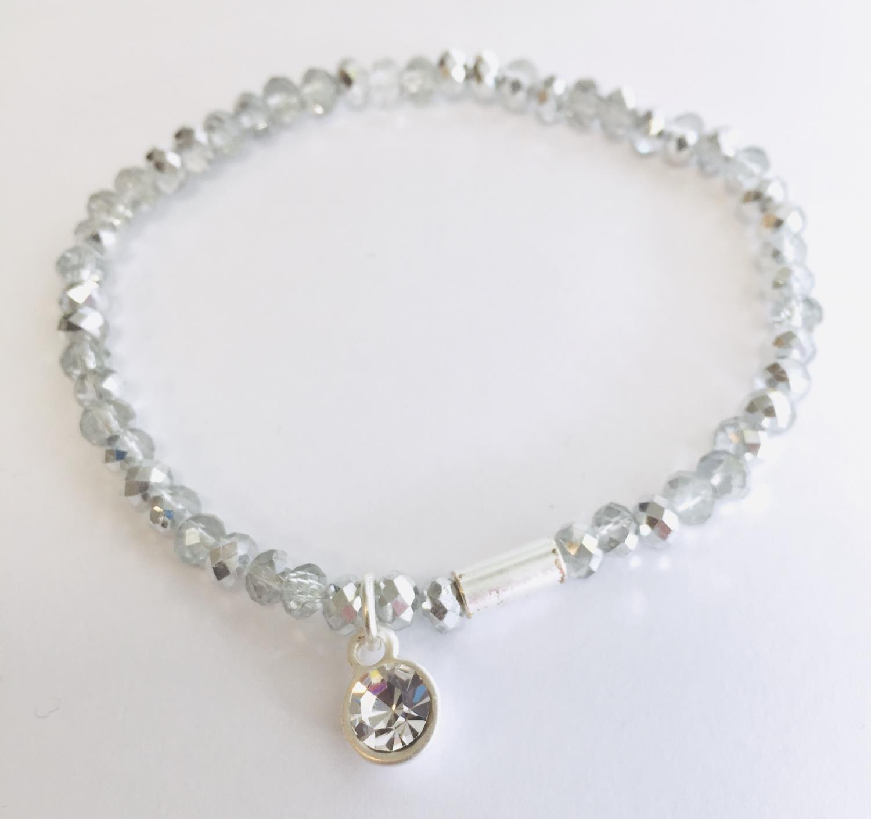 Armlenke rhod. rund sten på slipte grå/sølvstener(strikk)