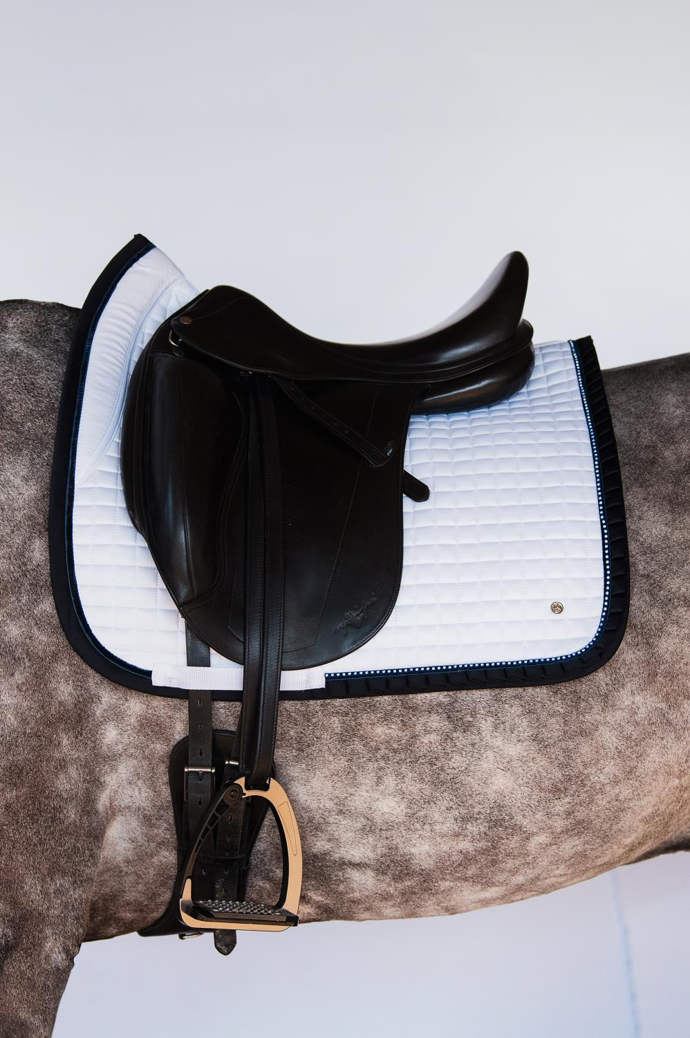 Ps of Sweden Dressage Saddle Pad White/Navy Ruffle