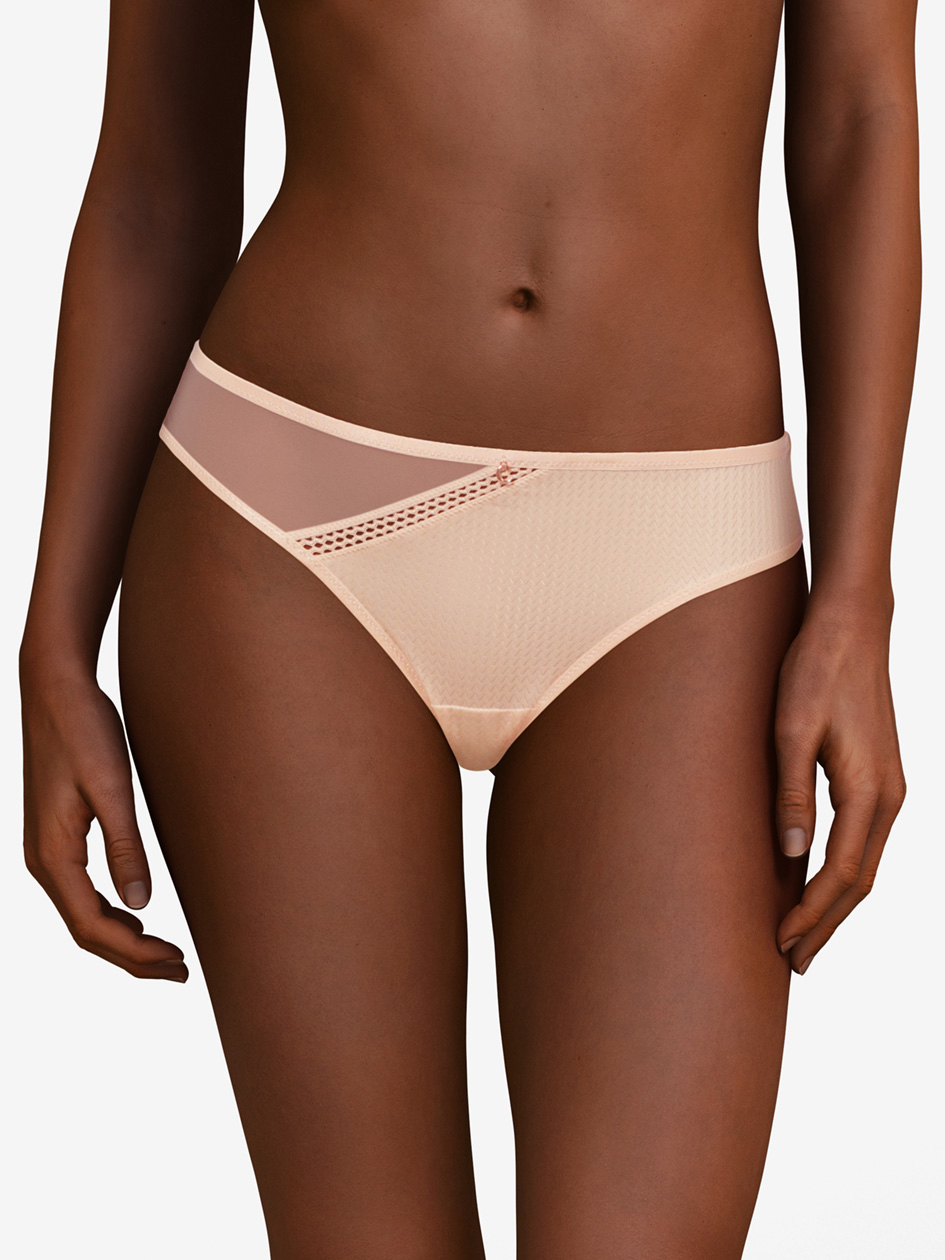 Chantelle, Chic Essential string