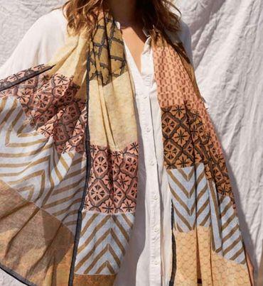 Leva scarf