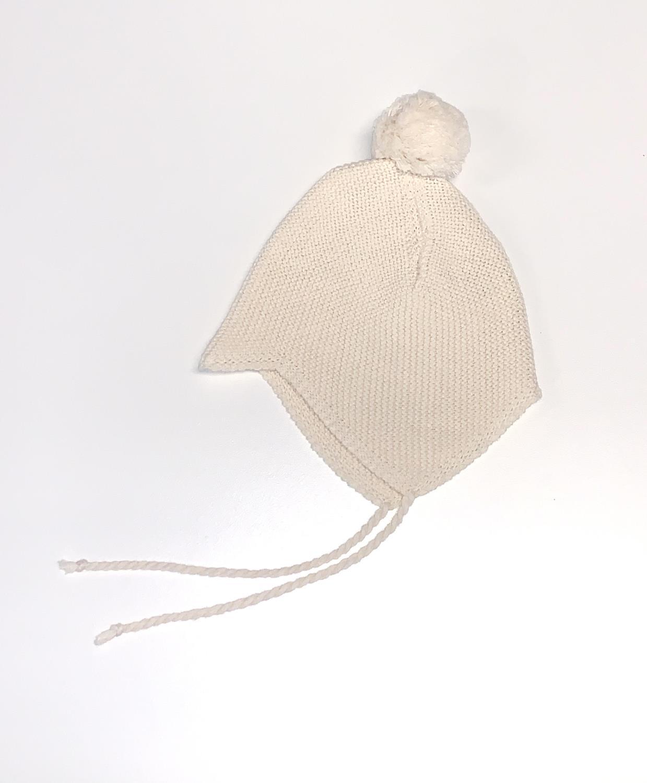 Babie hat w/yarn pompom