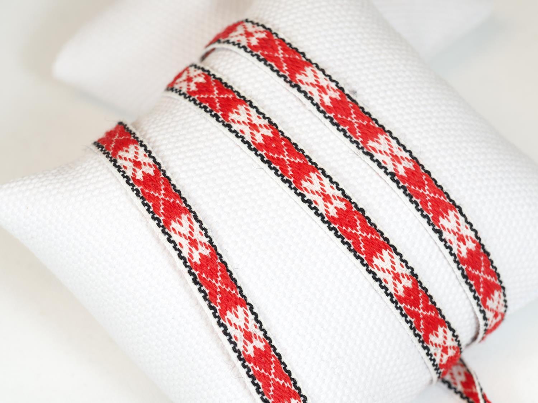 ullband hvit/rød tradisjon