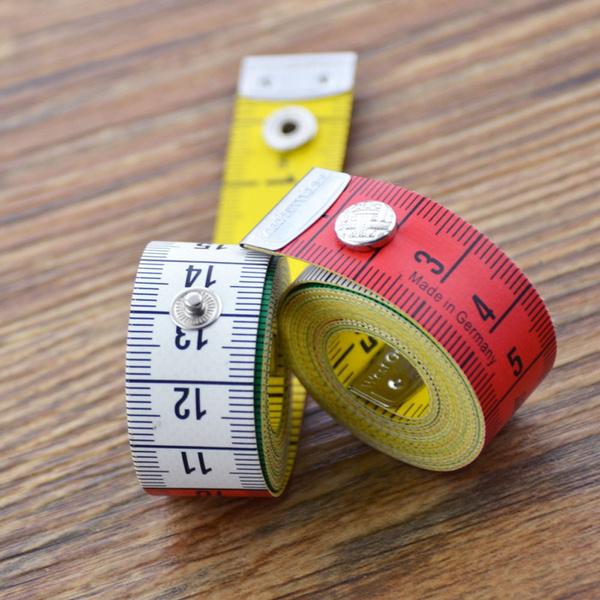 Målband 150 cm m trykk knapp