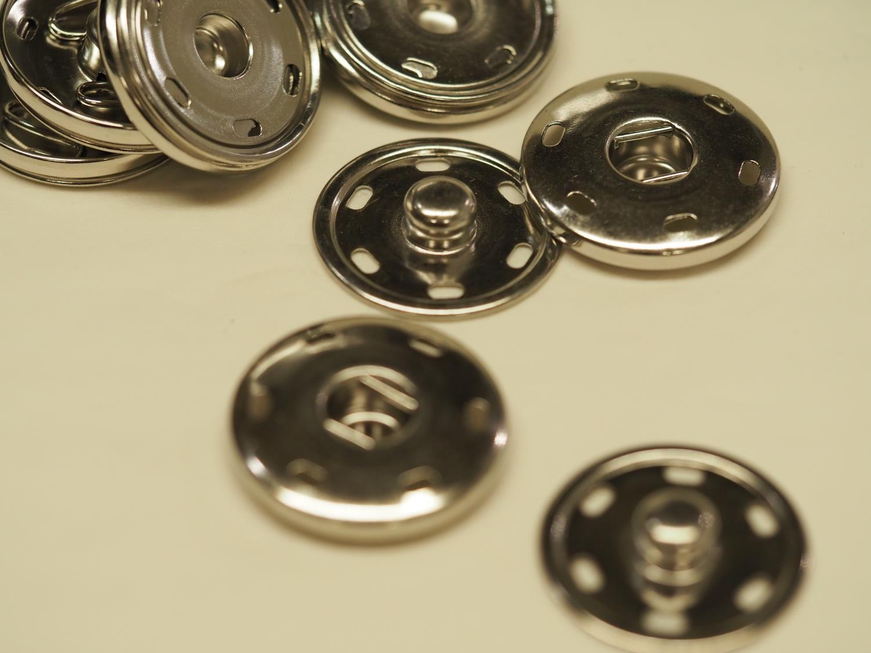 30 mm trykk knapp sølv farget