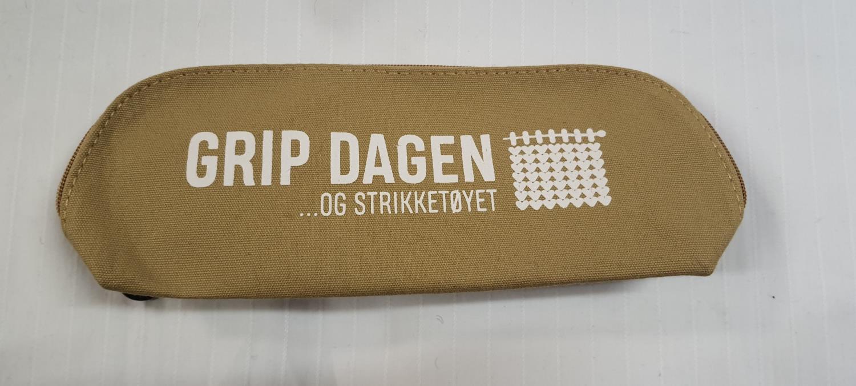 STRIKKEVESKE M Sennep 9766