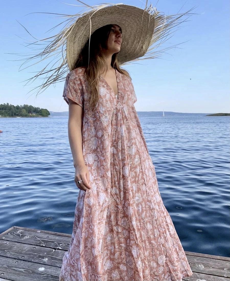 Anouska Vintage Rose v-neck Long Dress