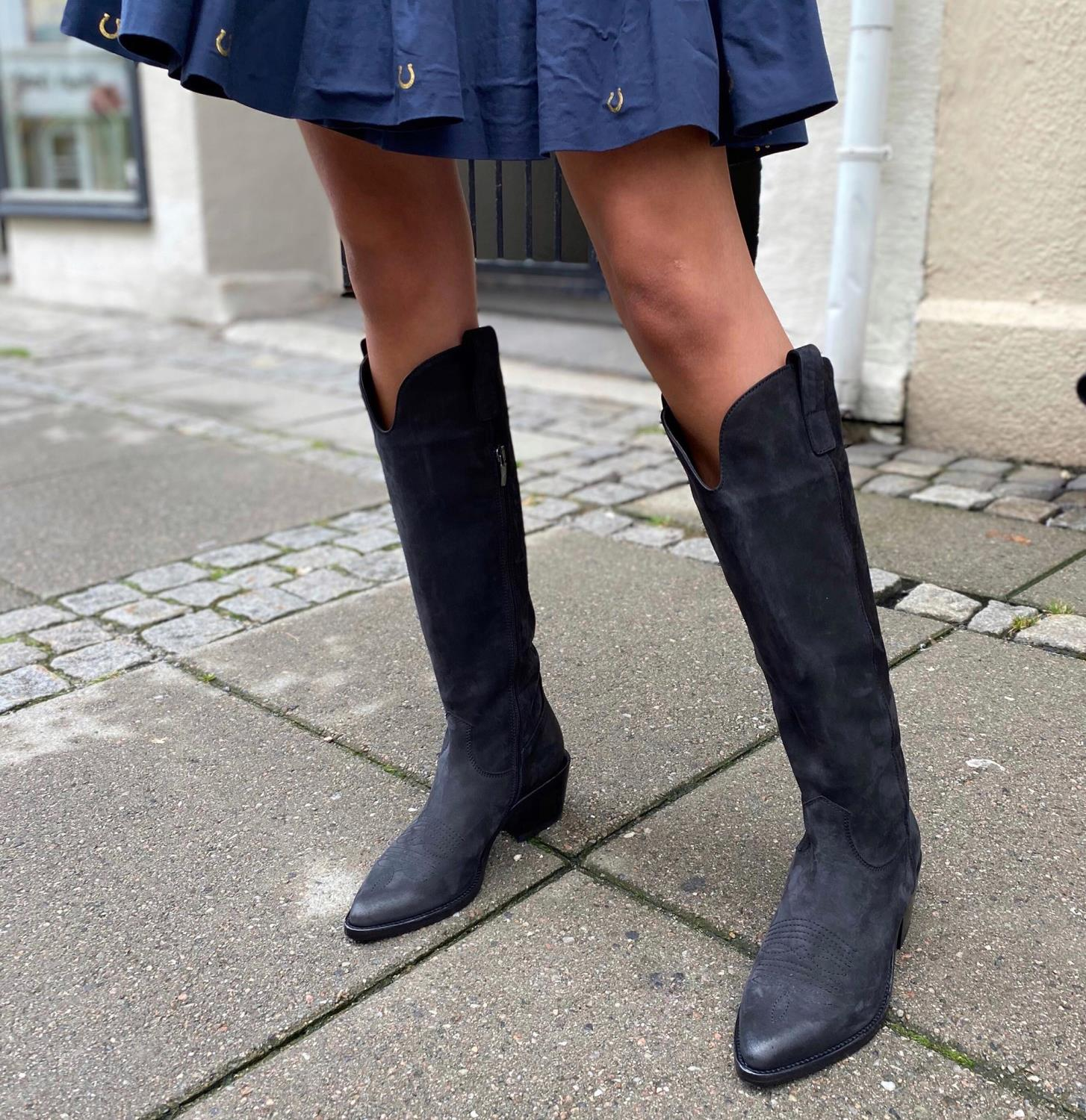 Laura Bellariva, Knee High Boots