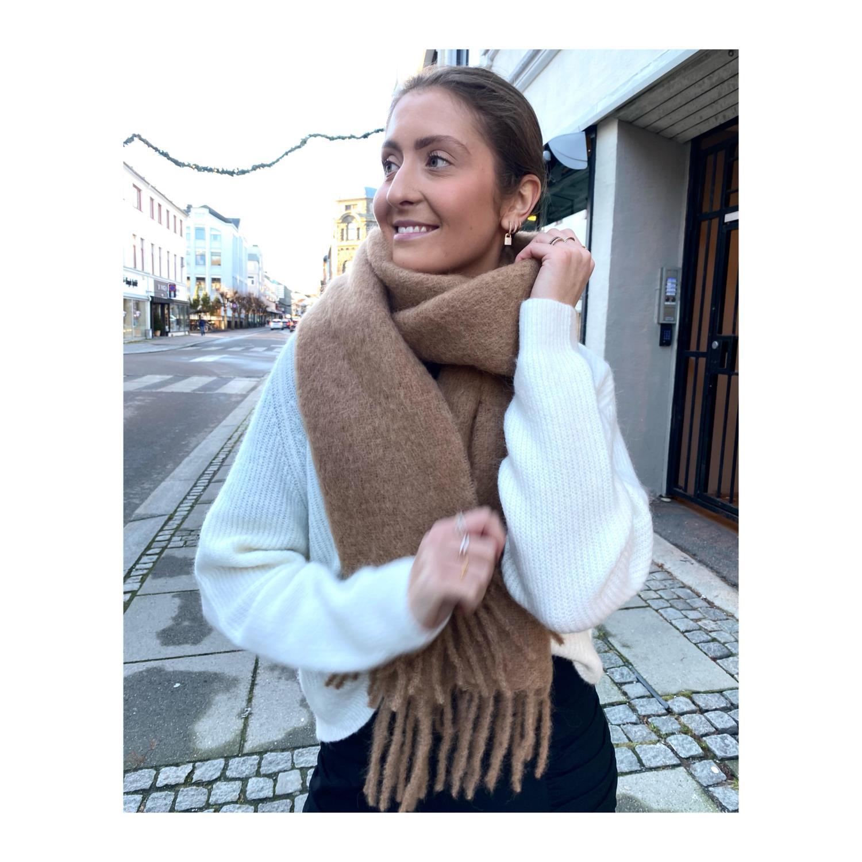 Holzweiler, Fresia Solid Camello