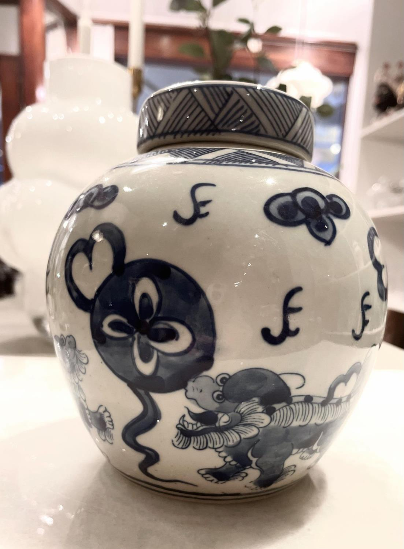Asiatides, Fu Dog Pot