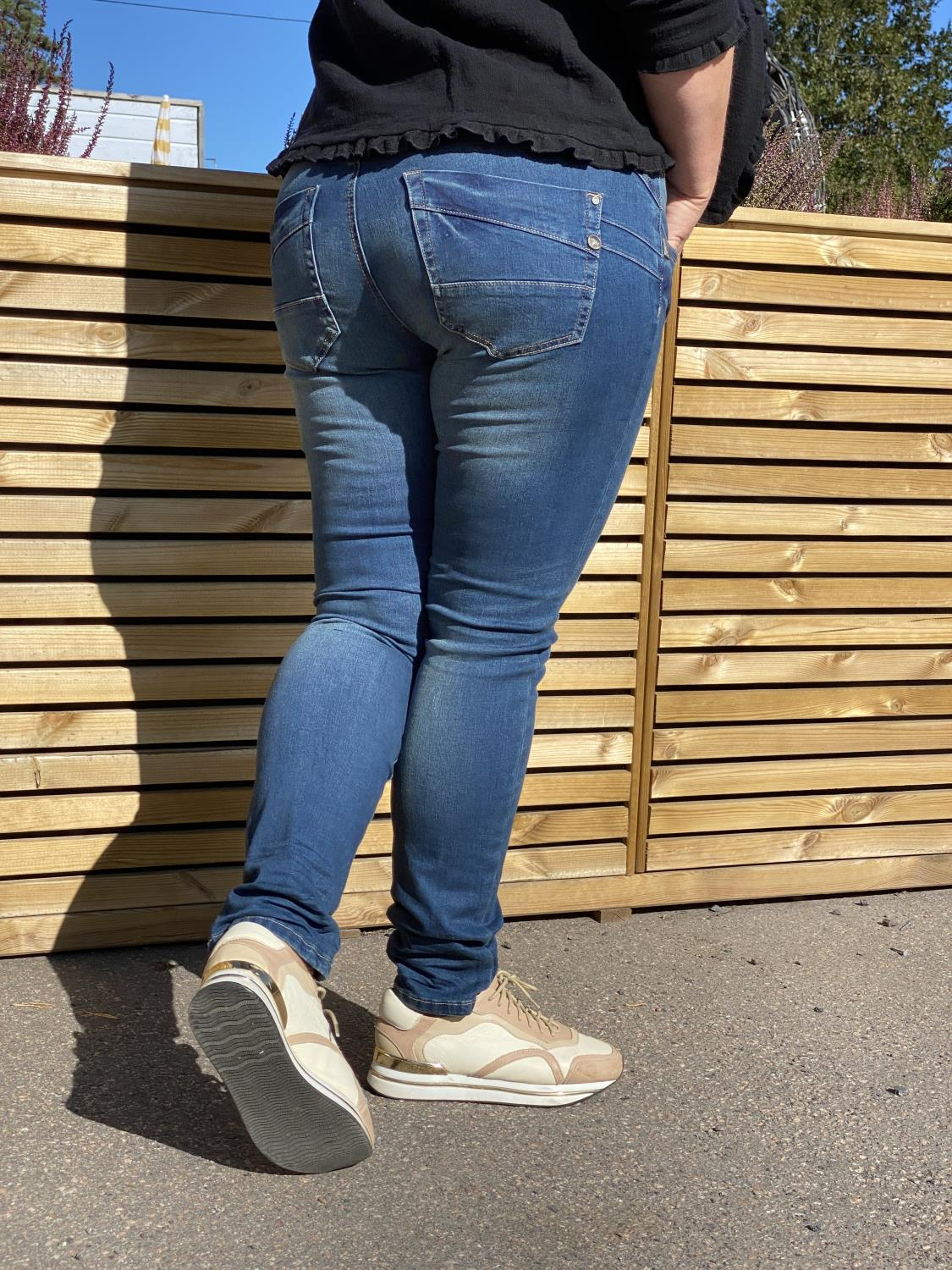Amalie Jeans Shape Fit