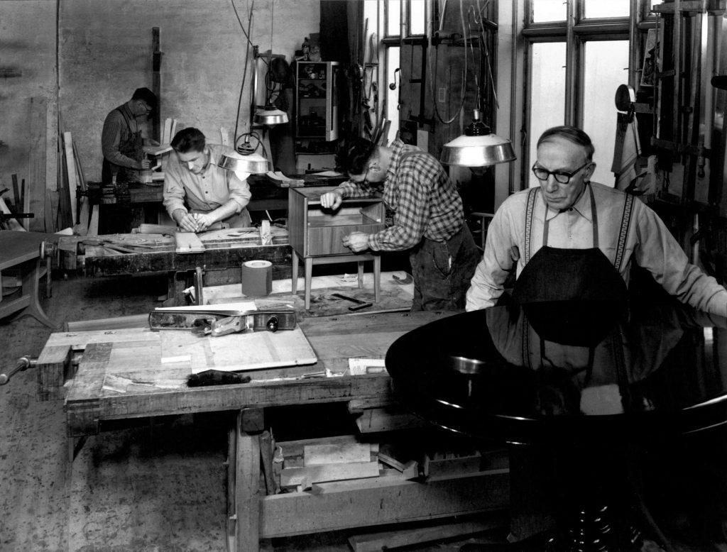A. Huseby drev egen møbelproduksjon og tapetserverksted frem til 1970.