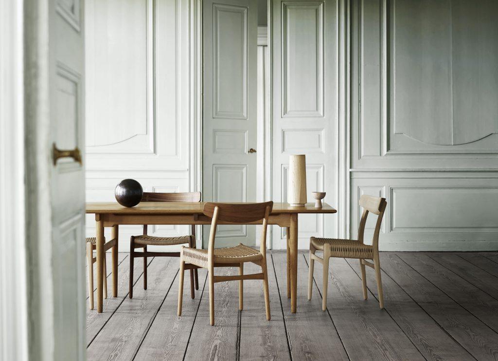 CH327 spisebord og spisestoler fra carl hansen and son
