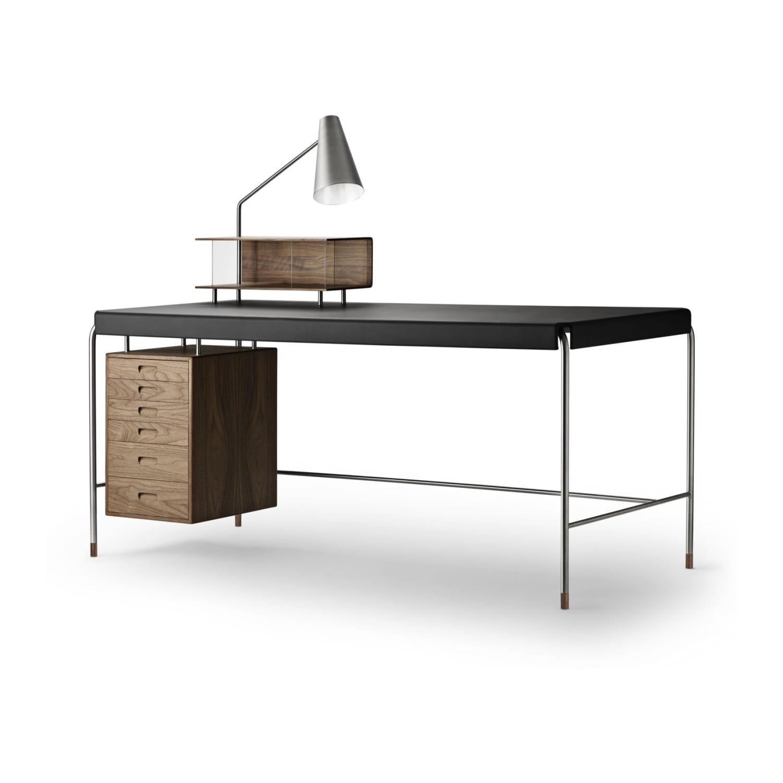 AJ52 | Skrivebord | Inkl. lampe