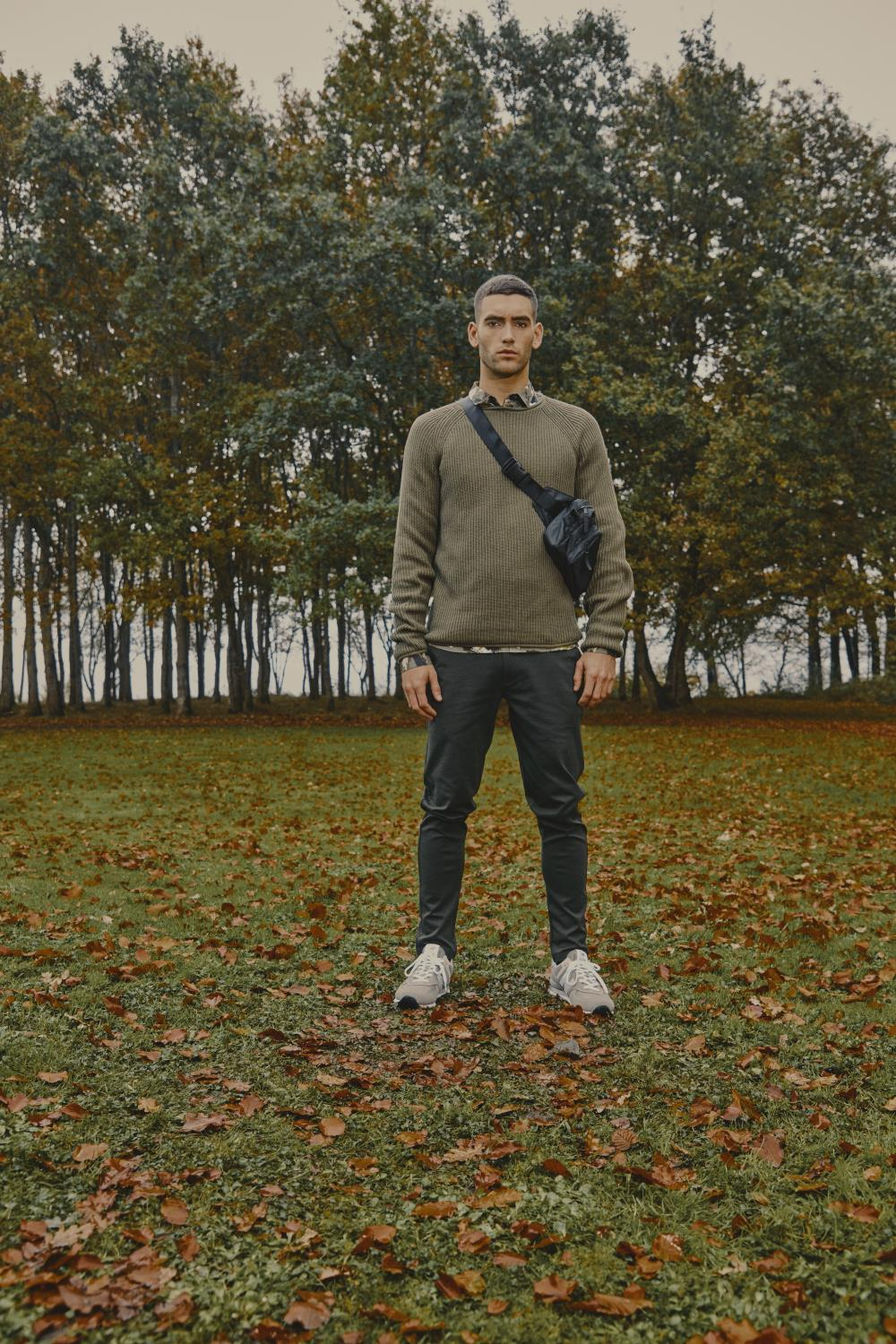 TAZ O-NECK SWEATER DEEP FOREST - SOLID