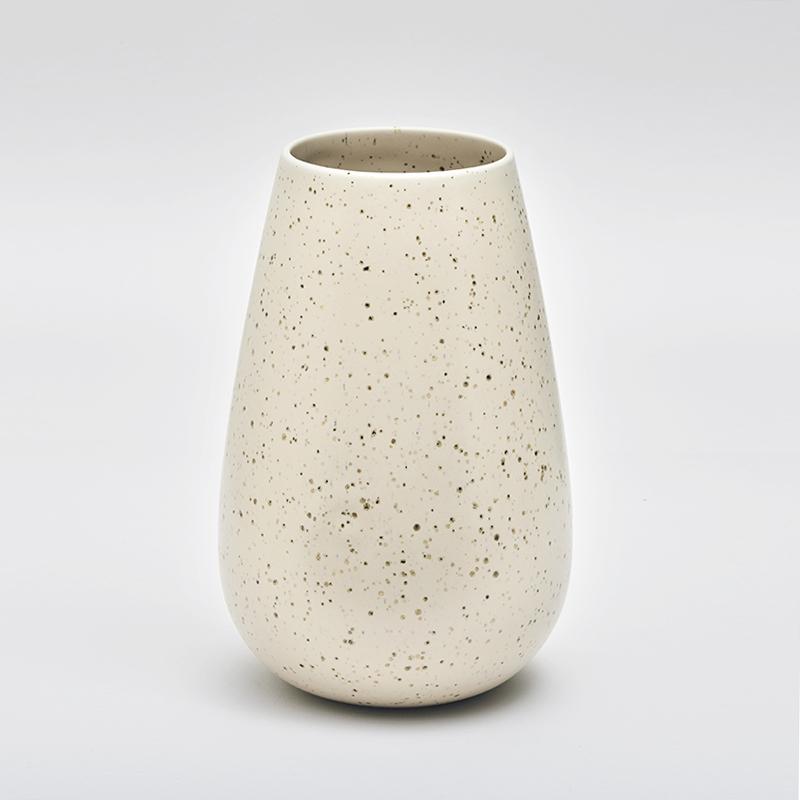 LAND høy vase, eggshell