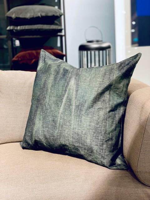 Vicens - pute 70*70, mørk grå/grønn