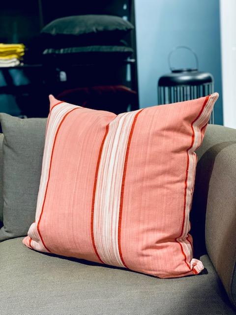 Vicens - pute 60*60, rosa stripet