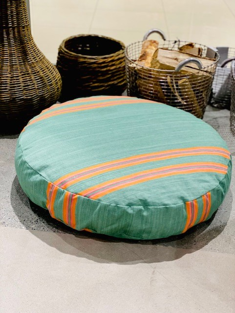 Vicens - puff 80cm*15cm Grønn med oransje striper