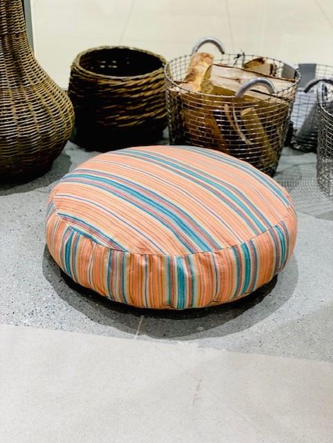 Vicens - puff 65cm*15cm - orange med striper