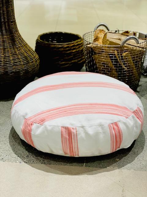 Vicens - puff 65cm*15cm - hvit med rosa striper