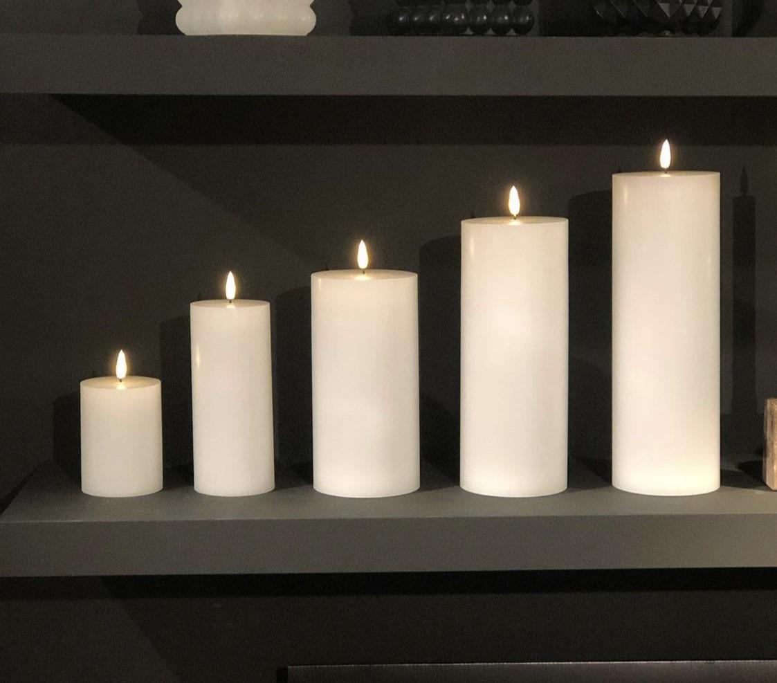 LED Kubbelys Candel 25cm- Hvit