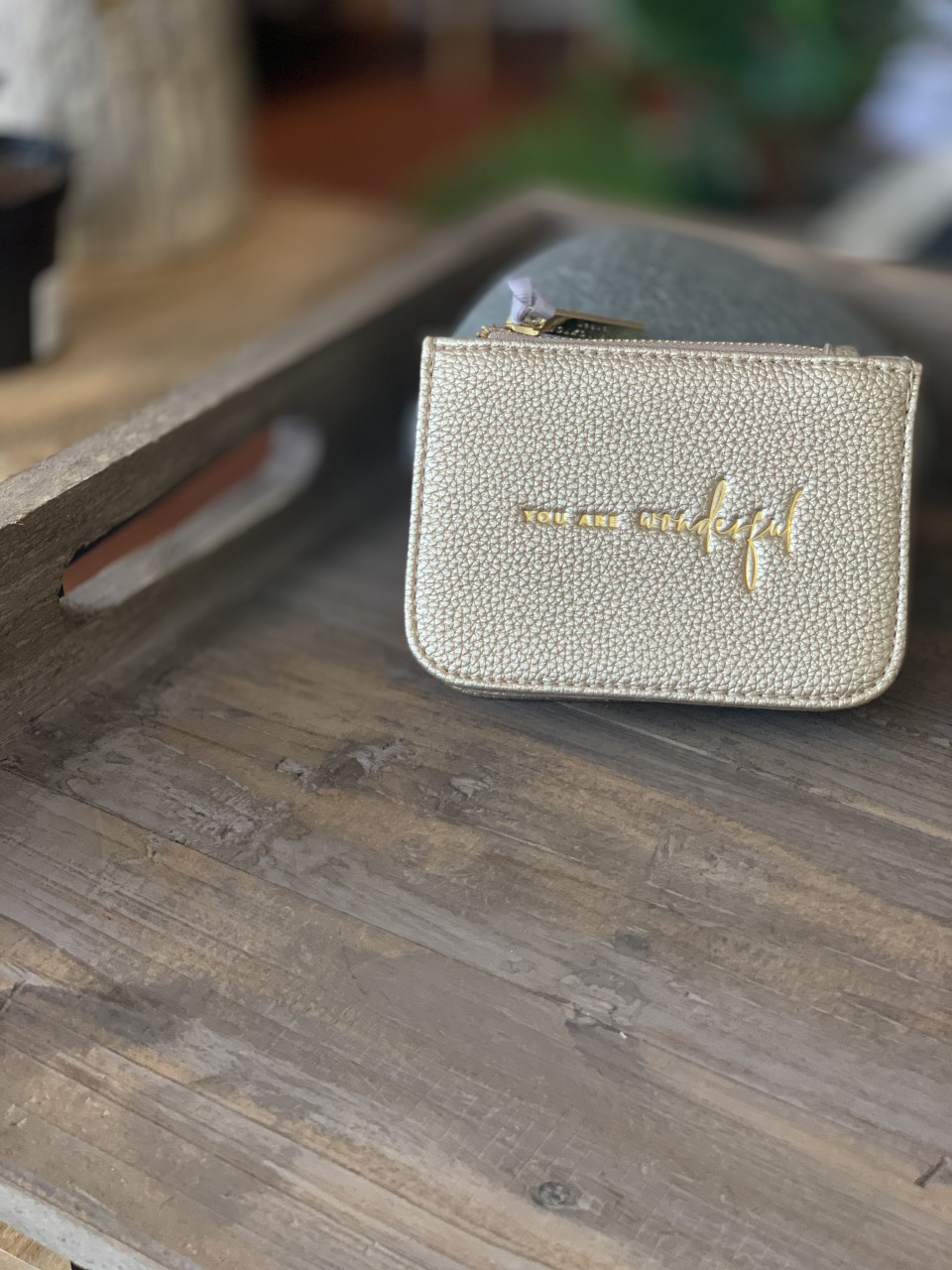 """Katie Loxton liten pung - gold """" You are Wonderful"""""""