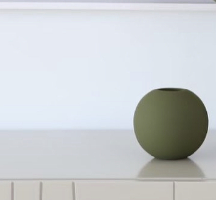 Cooee Ballvase 10 cm  Olive