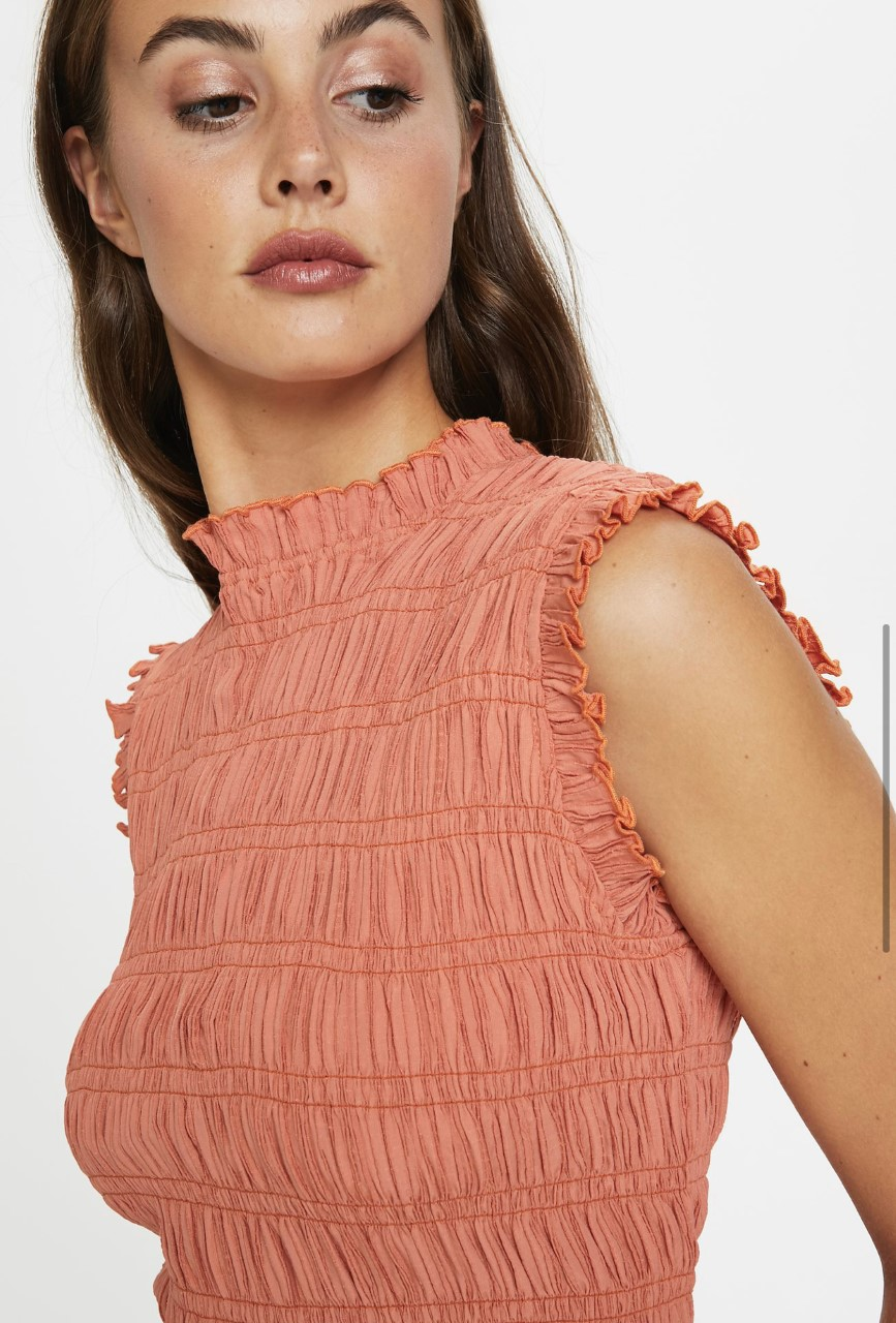 Soaked Hue top overdel