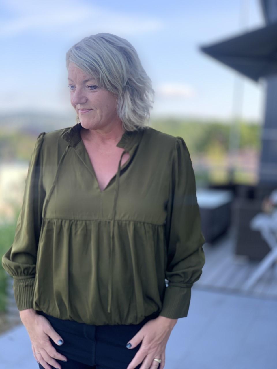 CostaMani Balloon Shirt Bluse